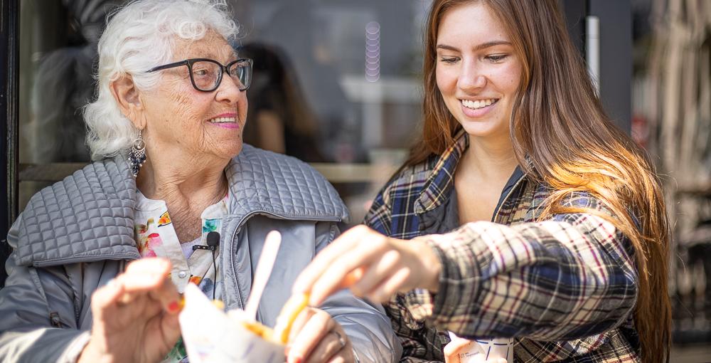 Ruim 1300 ouderen van Humanitas vinden patatje van Bram 'in hun brievenbus'